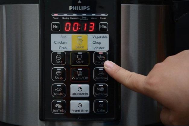 Nồi áp suất điện Philips HD2136/66 Hàng chính hãng