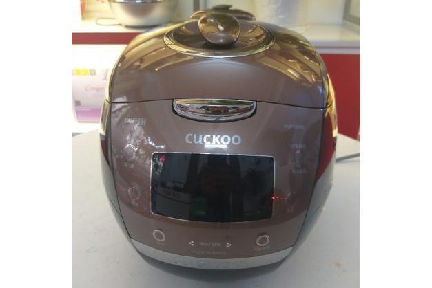 Nồi cơm điện cao tần Cuckoo CRP-HUF105SS Hàn quốc