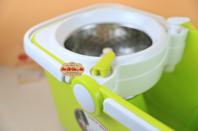 Nẫy dùng để xả nước nhanh chóng và tiện dụng