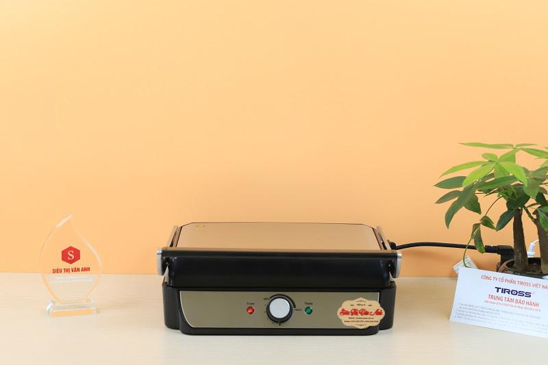 Thiết kế mặt Inox giúp vệ sinh máy nhanh hơn