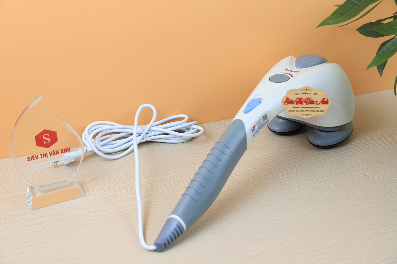 dây điện khá dài, giúp bạn sử dụng dễ hơn