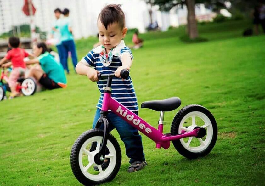 Xe đạp cân bằng Kiddee Siêu nhẹ