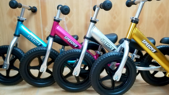 Xe đạp thăng bằng Speedys siêu nhẹ